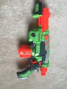 Nerf Vortex Rifle.    Clip Is Loaded With 8 Out Of 10 Bullets.