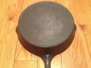 Vintage Unmarked #8 Wagner Ware Sidney-O- Cast Iron Skillet - wHeat-ring