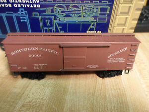 HO SCALE ROUNDHOUSE NORTH PACIFIC 36' BOX CAR # 90001