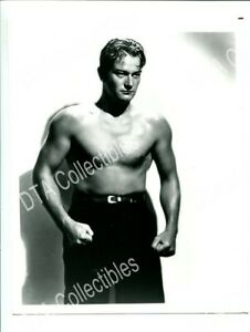 JOHNNY WAYNE 1930'S 8X10 PROMO STILL PORTRAIT SHIRTLESS NM