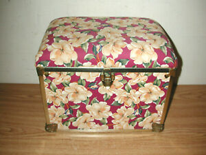 VINTAGE DECO TRUNK COMPANY FLORAL PADDED FOOT REST SEWING STORAGE TRUNK BASKET $21.00