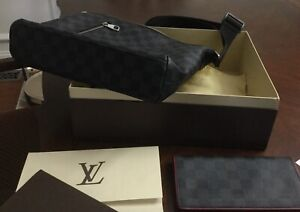 Louis Vuitton handbag crossbody for men with matching wallet excellent condition