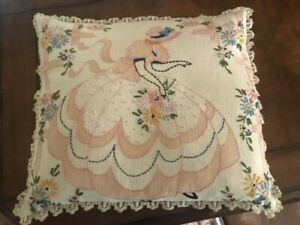 VINTAGE EMBROIDERED PILLOW with CROCHETED LACE TRIM LINEN FABRIC 15quot; X 13quot;