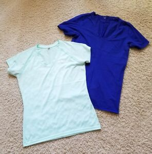 Under Armour Running Athletic Tennis Gym Yoga Shirts Women's Size S Lot of 2 $9.99