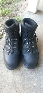 Redwing boots size 10 EE. Insulated. Waterproof. Steel toe.