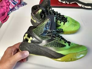 Boys Under Armour Basketball Shoes, Youth Size 3 $15.00