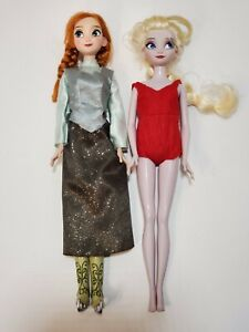 R1 Disney Store Exclusive Frozen Anna and Elsa Ice Skating Doll Set Dolls 2014 $14.99