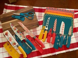 THE PIONEER WOMAN WILDFLOWER WHIMSY 20 PIECE CUTLERY KNIFE SET CUTTING BOARD $39.99