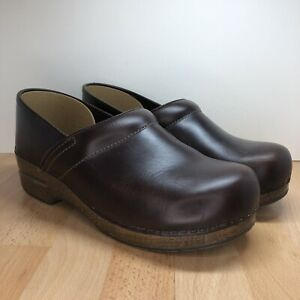 Dansko Professional Brown Leather Nursing Clogs Women's WIDE EU 40 US 9.5 10
