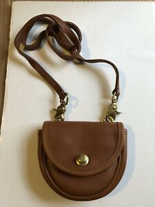 VINTAGE SMALL LEATHER COACH PURSE