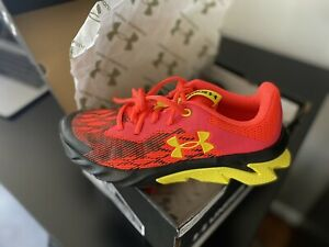 under armour shoes womens Size 5.5Y $31.00