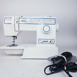 Vintage Singer 5932 Sewing Machine in Good Condition with Pedal TESTED Works $99.99