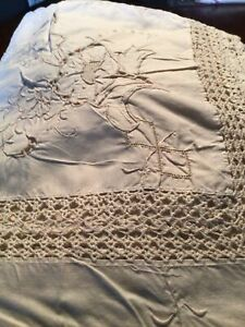 """Vintage Tablecloth MADEIRA With Extensive Work 98""""x60"""". Beautiful $45.00"""