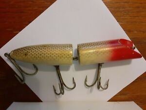 ANTIQUE MAKINEN MUSKAY HOLI COMET JOINTED 6quot; FISH LURE YELLOW RED 1945