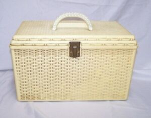 VTG Wilson Wil Hold Plastic Basket Weave Craft Sewing Box w 2 Removable Trays $32.97