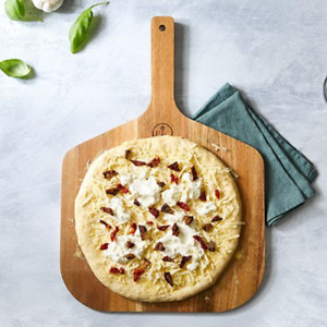 Pampered Chef : Pizza Peel Free shipping