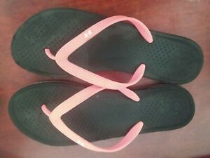 Womens Under Armour Sandals Size 11 $15.00