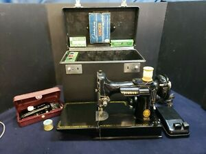 Singer Featherweight 221 Antique Sewing Machine From 1954 With Original Case $419.95