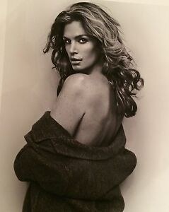 VINCENT PETERS - Cindy Crawford signednumbered.  Fashion Model.