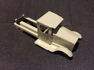 metalcraft gearbox white truck cab and