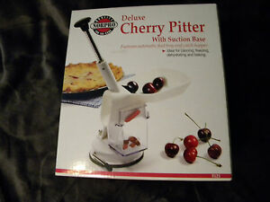 NORPRO DELUXE CHERRY  PITTER AUTOMATIC FEED TRAY & HOPPER MIB