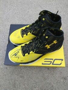STEPHEN CURRY Golden State Warriors SIGNED Under Armour Curry 2 Shoes
