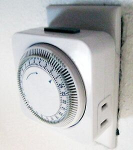 15A 120V 1800W Automatically turns 24-hour plug-in mechanical indoor timer