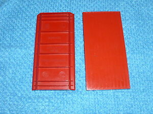 vintage 3 x red bayko rooves in great