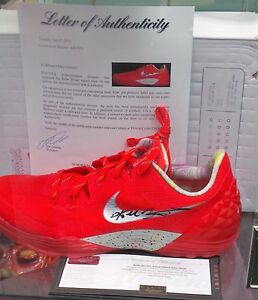 Kobe Bryant Auyographed shoes Panini and PSADNA