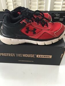 under armour boys 2.5Y velocity running athletic shoes red black with box