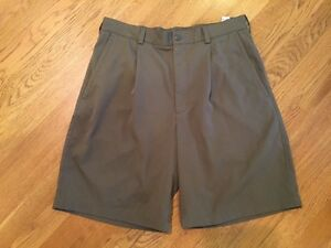 Men's Nike 33 Dri-Fit Brown Golf Shorts. Inseam 9.5