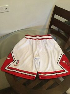 Chicago Bulls White Home Nike Shorts Large Excellent Condition