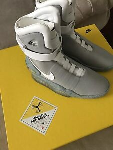 Nike Air Mag Back To The Future 2011 134 Mens Size 8