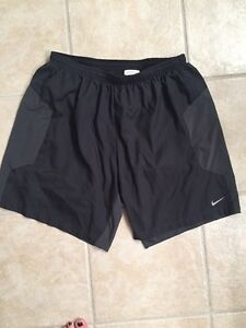 Men's Nike Running Shorts Dri Fit Black Size Large With Liner