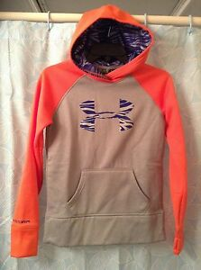 UNDER ARMOUR PERFORMANCE COLDG GEAR GIRLS SIZE MEDIUM MULTI COLOR HOODIE NWT