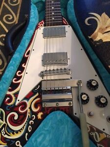 Stunning Gibson Jimmy Hendrix Flying V multicolored guitar Excellent Condition!!