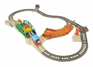 Thomas the Train Play Set Track Master Daring Derail Motorized Building Railway