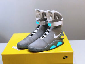NIKE AIR MAG BACK TO THE FUTURE 2011 SIZE 9 DEADSTOCK