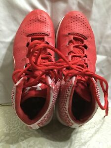 BoysYouths Basketball Shoes Size 7Y UNDER ARMOUR RedWhite