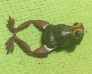 Vintage~ Frog ~ Fishing Lure ~ Moving Legs