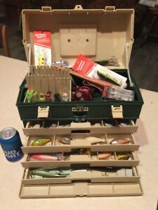 PLANO TACKLE BOX LOADED With Fishing Lures Look ! Box Model 787 In Excellent Con