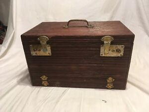 Vintage Antique Wood Tackle Box Full Of Heddon  Shakespeare Misc Fishing Lures