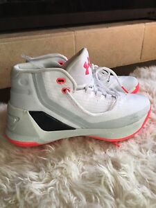 Under Armour SC GS Girls Boys White Pink Steph Curry Basketball Shoe Youth 7Y 7