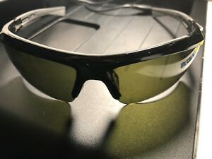 Under Armour Core 2.0 Shiny Black Charcoal  Gameday Sunglasses