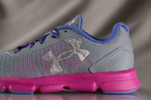 UNDER ARMOUR Micro G Speed Swift shoes for girls NEW  US size (YOUTH) 2.5