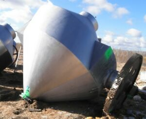 250 Cu. Ft. Stainless Steel Conical Mixer