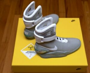 NIKE AIR MAG BACK 2 THE FUTURE - BRAND NEW HARD TO FIND - SIZE 10