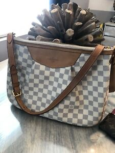 Authentic Louis Vuitton Siracusa MM used