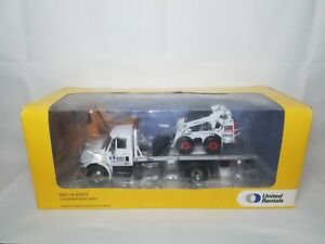 Bobcat United Rentals S300 Skid Steer - First Gear - Diecast 1:32 Scale Model