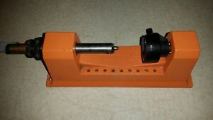 LYMAN Universal CASE TRIMMER w22 cal pilot Fast Easy Reloading Hold any Case